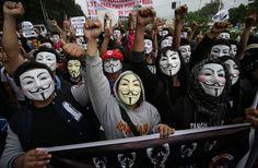 """Des """"marches des millions de masques"""" des Anonymous partout dans le monde"""