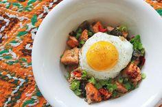 Spicy salmon bibimbap