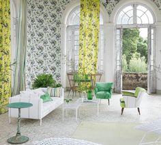 Bamboo della collezione primavera 2015 è il tessuto firmato da Tricia Guild, celebre per le sue creazioni dal segno marcato e dai colori fluo e anima di Designers Guild.