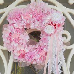 Imagen de http://realhousedesign.com/wp-content/uploads/2013/11/Cute-Pink-Wreath.jpg.