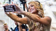 Promi-News des Tages: Paris Hilton hat Blondinen-Image satt
