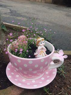 Small Garden Fairies, Mini Fairy Garden, Fairy Garden Houses, Garden Crafts, Diy Garden Decor, Garden Art, Garden Ideas, Indoor Fairy Gardens, Miniature Fairy Gardens