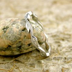 Handmade Intertwining Leaf & Vine Wedding Ring in 14K White Gold with Glossy Finish and Antiquing Size 6/2.5mm