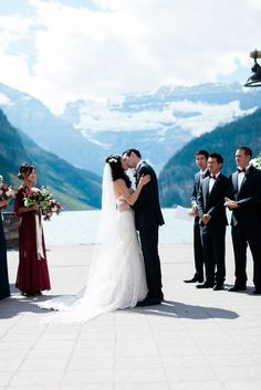 Fairmont Chateau Lake Louise #RockyMountainBride #CanadianWedding @nicolesarahcom  @fairmontcll