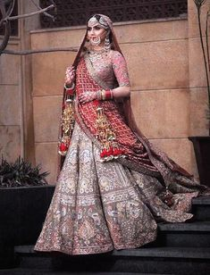 This gorgeous punjabi bride serving some serious royalty goals! The jewellery, the stunning outfit, the tassled kaleeras- we are…
