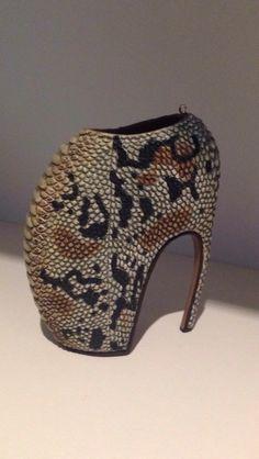lalinavision  ciliegia Alexander McQueen  Savage Beauty Armadillo Shoe  Ornament. British Fashion Awards 525fcc22fcf