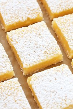 ss - LOVE THEM! These Classic Lemon Bars feature an easy homemade shortbread crust and a sweet and tangy lemon filling. These bars are so easy to make and perfect for lemon lovers! Lemon Desserts, Köstliche Desserts, Lemon Recipes, Delicious Desserts, Dessert Recipes, Homemade Shortbread, Shortbread Crust, Dessert Bars, Lemon Filling
