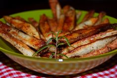 Oven-baked Rosemary-Pepper French Fries