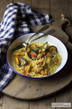 Te explicamos paso a paso, de manera detallada, cómo hacer la receta de espaguetis con mejillones y salsa de curry. Tiempo de elaboración, ingredientes,