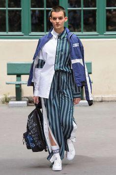 Andrea Crews Spring-Summer 2018 | Paris Fashion Week