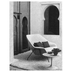 We're revisiting some of our favorite Eero Saarinen Inspiration pieces this week, in honor of the architect's birthday (it was on Saturday). Here, a photo from the Knoll Archive of the Womb Settee and Saarinen Side Table in Yves Vidal and Charles Sevigny's home in Tangier. Knoll reintroduced the Womb Settee last year, and wrote about the piece's history and connection to the Womb Chair. ( Link in profile)  #wombchair #eerosaarinen #saarinen #designinspiration #interiors #knollarchive…