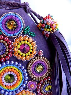 "Купить Сумка ""Летний букет"" - фиолетовый, сумка маленькая, сумочка замшевая, сумка фиолетовая Embroidery Purse, Diy Bead Embroidery, Embroidery Designs, Beaded Bags, Beaded Jewelry, Boho Bags, Fabric Bags, Beads And Wire, Handmade Bags"