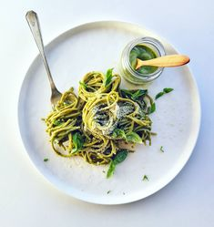 Creamy Avo and Basil Pasta Sauce - With Love From Frances Basil Pasta Sauce, Japchae, Spaghetti, Ethnic Recipes, Food, Hands, Essen, Yemek, Spaghetti Noodles