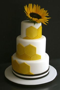 Burst of yellow! By Sugarplum Cake Shop Beautiful Cakes, Amazing Cakes, Geometric Cake, Geometric Wedding, Sunflower Cakes, Yellow Sunflower, Whimsical Wedding Cakes, Honeycomb Cake, Cupcake Cookies
