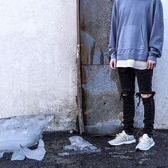 Iceberg Simpson.  :: @chvsewarner ▫️@JohnElliottCo Hoodie ▫️@Zara Destroyed Denim ▫️@Premium_Co Tee ▫️@AdidasRunning Chalk Ultraboost