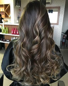 How To Get Thicker Hair Naturally At Home : 3 Simple Tips The primary advantage of going with the ho Brown Hair Balayage, Brown Blonde Hair, Hair Color Balayage, Brunette Hair, Hair Highlights, Dark Hair, Beautiful Long Hair, Gorgeous Hair, Chestnut Hair