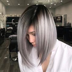 Explore here to discover the beautiful and modern styles of long bob haircuts with amazing silver metallic hair colors. This is feminine and charming hair color idea for long and medium haircuts. Women around the world are continuously sporting this hair Gray Balayage, Hair Color Balayage, Ombre Hair, Ombre Bob, Medium Hair Cuts, Medium Hair Styles, Short Hair Styles, Ponytail Styles, Latest Hair Color