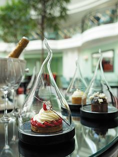 Satisfy your sweet tooth with  scrumptious  desserts at Shangri-La Hotel, Paris - Restaurant La Bauhinia