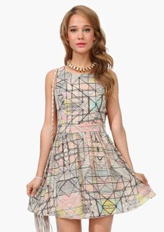 super cute cut out dress! This dress has cut outs at side