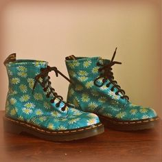 Daisy Doc Martens, this pin reminds me of an autumn walk for some reason...