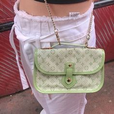 Mode Vintage, Vintage Bags, Vintage Handbags, Aesthetic Bags, Vetement Fashion, Oui Oui, Cute Purses, Girly, Cute Bags