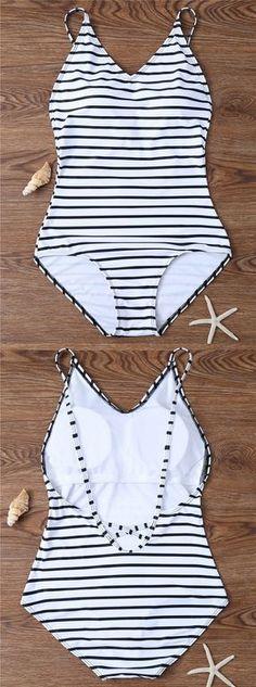 66 Beautiful Swimwear Style for This Summer
