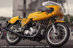 Norton Commando Production Racer, 1977, 850cc - crédit photo : JFM