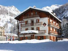 Our hotel Skiing