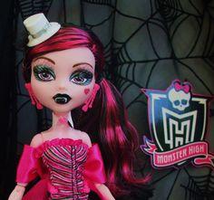 "Monster High 2011 Walmart Exclusive ""Dawn of The Dance"" Set Draculaura Doll   eBay"