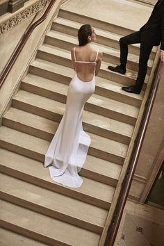 Carolina Herrera Spring 2019 Bridal Collection   Tom + Lorenzo Wedding Dress Trends, Best Wedding Dresses, Bridal Dresses, Wedding Gowns, Wedding Attire, Bridal Show, Bridal Style, Bridal Collection, Fashion Show Collection