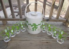 Frogs ice bucket and glasses.
