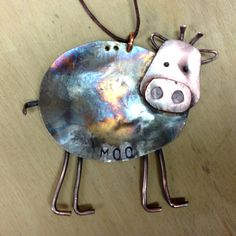 The newest addition to my family of spoon animal ornaments.a cow! Cow's body is crafted from the flattened bowl of a vintage silverplate Cow Ornaments, Christmas Ornaments, Mirror Ornaments, Easy Ornaments, Christmas Decor, Christmas Ideas, Spoon Jewelry, Silverware Jewelry, Spoon Rings