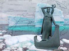Who Was Gudrid and Did She Really Exist? | History | Smithsonian Magazine Viking People, Viking Men, Women In History, World History, Erik The Red, Vinland Saga, Women Names, Vikings, North America
