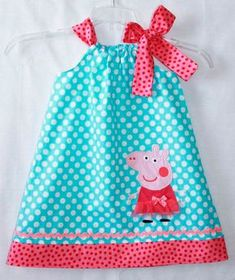 Peppa Pig dress Aqua dot and Hot pink Rachel Foust would love this Baby Kind, My Baby Girl, Sewing For Kids, Baby Sewing, Peppa Pig Dress, Pig Birthday, Birthday Ideas, Pig Party, Applique Dress