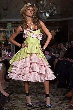 The complete Betsey Johnson Spring 2016 Ready-to-Wear fashion show now on Vogue Runway. Betsey Johnson Dresses, Dress Making, Supermodels, Ready To Wear, Fashion Show, Vogue, My Style, How To Wear, Runway