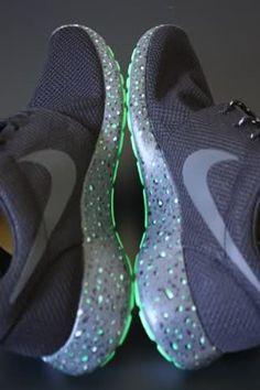 newest collection f9a1a 2f703 Nike Roshes Run Nike Roshes Run Anziehen, Nike Turnschuhe, Adidas Schuhe