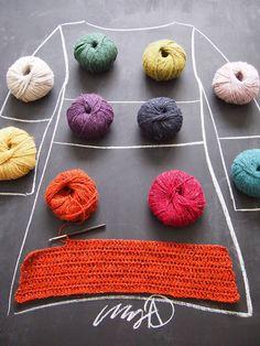 Virkattu värikäs tunika Crochet Coat, Crochet Cardigan, Crochet Clothes, Knitting Designs, Crochet Designs, Crochet Patterns, Chaleco Casual, Freeform Crochet, Crochet Fashion