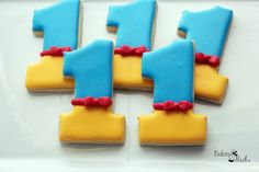 Snow White Birthday Number Cookies, First Birthday Cookies, Disney Princess Birthday, Number Cookies