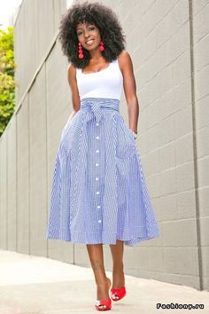 White Bodysuit + Gingham Midi Skirt (Style Pantry) - Lilly is Love Casual Dresses, Casual Outfits, Fashion Dresses, Mode Outfits, Skirt Outfits, Style Pantry, Stripe Skirt, White Midi Skirt, Striped Skirt Outfit