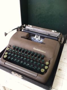 Vintage Smith-Corona Portable Type Writer