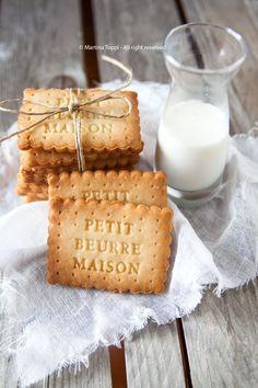 milk and cookies Biscotti Cookies, Galletas Cookies, Milk Cookies, Cake Cookies, Cookery Books, French Pastries, Love Food, Sweet Recipes, Cookie Recipes