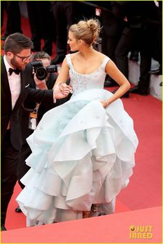 Pregnant Blake Lively Looks Like a Princess in This Ball Gown!