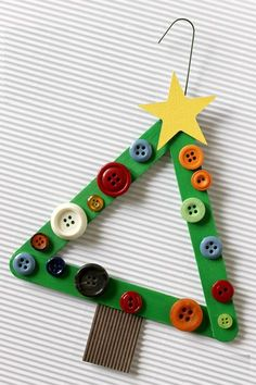 Find Easy Christmas Crafts for kids including preschool Christmas crafts.They will love these holiday crafts for Christmas craft ideas for children. Preschool Christmas, Christmas Ornament Crafts, Noel Christmas, Christmas Activities, Christmas Crafts For Kids, Christmas Projects, Holiday Crafts, Simple Christmas, Diy Ornaments
