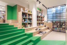 Bookline pop-up store by 81font Architecture & Design, Budapest – Hungary » Retail Design Blog