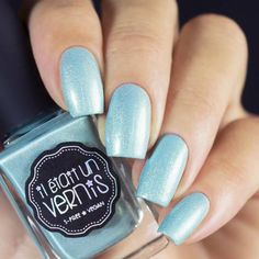Winter Season Nails in Pale Blue Shades picture 2