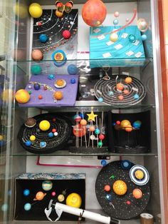 Crear sistema solar. Maqueta del Sistema Solar. Los planetas. Solar System homework. El universo. The universe<br> Planets Activities, Solar System Activities, Solar System Projects, Space Activities, Science Activities, Science Projects, School Projects, Projects For Kids, Crafts For Kids