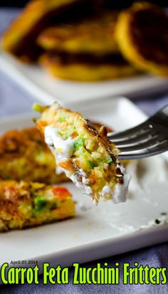 Zucchini fritters with carrot, red bell pepper and feta. A great twist on classic zucchini fritters. A perfect treat for parties! You can even make vegetarian burgers with these. Zucchini Muffins, Zucchini Fritters, Vegetable Recipes, Vegetarian Recipes, Cooking Recipes, Healthy Recipes, Vegetarian Burgers, Feta, Appetizer Recipes