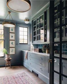 Home Design, Big Design, Design Ideas, Blue Grey Rooms, Kitchen Design, Kitchen Decor, Kitchen Pantry, Aga Kitchen, Kitchen Ideas