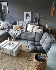 When you're selecting your furniture for your cozy living room ideas, size and plushness count. Soft fabrics and lots of comfortable seating providing a warming and relaxing feel. living room seating 46 Cozy Living Room Ideas and Designs for 2019 Comfortable Living Rooms, Cozy Living Rooms, Living Room Grey, Home Living Room, Apartment Living, Living Room Designs, Living Room Seating, Living Spaces, Style Salon