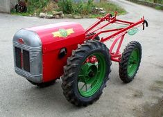 Gravely Mowers 455004368580138745 - BMB Hoemate Source by Antique Tractors, Vintage Tractors, Old Tractors, Lawn Tractors, Riding Mower Attachments, Garden Tractor Attachments, Walk Behind Tractor, Homemade Tractor, Landscaping Equipment